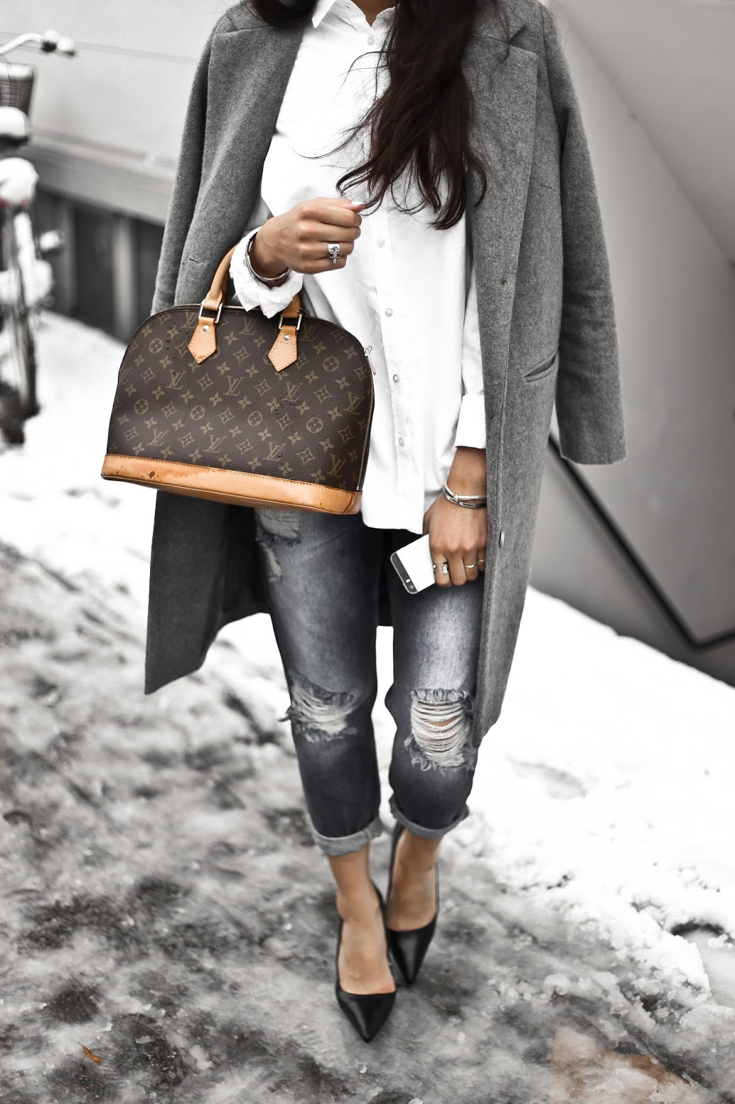 Magasin Du Nord, Mowoblog, ribbed jeans outfit, brand collaboration, signature look, grey coat jeans white shirt